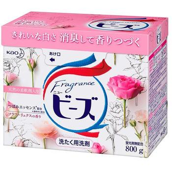 KAO «New Beads Fragrance» Стиральный порошок со смягчителем, с ароматом ландыша и розы, для белого и цветного белья, 800 гр. (фото)