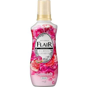 """KAO """"Flair Fragrance Floral Sweet"""" Кондиционер-смягчитель для белья, со сладким цветочно-фруктовым ароматом, 540 мл."""