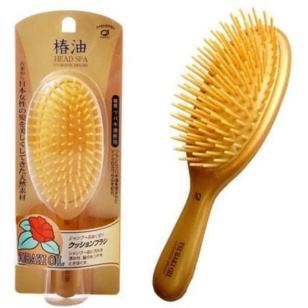 "Ikemoto ""Head Spa Tsubaki Oil Cushion Brush"" Щетка для волос с маслом камелии, 1 шт. (фото)"