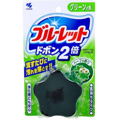 KOBAYASHI Двойная таблетка для бачка унитаза с эффектом окрашивания воды «Bluelet – травы», 120 гр.Для туалета<br>Благодаря отбеливателю и чистящим компонентам, которые удаляют загрязнения и пожелтения при сливе бачка, унитаз всегда остается идеально чистым и белым. Таблетка убивает все бактерии и удаляет любые неприятные запахи. Таблетка служит около 1,5-2,5 месяцев в зависимости от температуры воды.   Способ применения: Достаньте таблетку из упаковки и, не снимая защитной пленки, поместите ее в бачок для унитаза (защитная пленка растворяется в воде). Опустите таблетку в угол бачка с противоположной стороны от места набора воды как можно ближе к стенке бачка, чтобы не закрыть сливное отверстие. Если таблетка упала рядом со сливом или туда, где набирается вода, необходимо передвинуть ее в угол бачка при помощи палочки, линейки и пр.   Состав: отдушка, ПАВ (неионогенные, анионные), краситель.<br>