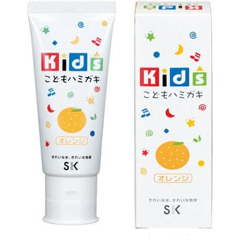 SK Kids Детская зубная паста с ароматом апельсина, 60 гр.Зубные пасты<br>С зубными пастами SK Kids Ваш малыш с удовольствием будет чистить зубки каждый день! И Вам не придется больше заставлять и напоминать ребенку об этой необходимости. Ведь яркие фруктовые вкусы и ароматы так понравятся малышу! А безопасный состав пасты порадует заботливых родителей, в пасте не содержится ПАВ, сахарина и консервантов, что гарантирует полную безопасность, даже если ребенок увлекся и проглотил немного. Паста мягко очищает нежные зубки, оказывает профилактику кариеса, увлажняет и защищает десна, освежает дыхание.<br>