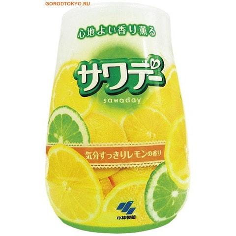 KOBAYASHI Освежитель воздуха для туалета «Kaori Kaoru – аромат лемонграсса», 140 гр.Для туалета<br>Освежитель состоит из 2-х цветного прозрачного геля. Освежитель нейтрализует неприятные запахи, наполняет туалетную комнату освежающим ароматом лемограсса. Имеет удобный корпус с подставкой, выполненный из матового стекла.<br>