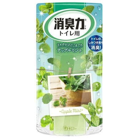 ST Shoushuuriki Жидкий дезодорант – ароматизатор для туалета c ароматом яблочной мяты 400 мл.Для туалета<br>Серия Shoushuuriki - дезодорирующая сила для туалетов с усиленым дезодорирующим эффектом, предлагает Вам широкую палитру ароматов. Особенности продукта: - 130% Дезодорирующий эффект (по данным ST). - Содержит природные компоненты (катехин зелёного чая и экстракты трав). - Флаконы с функцией регулирования интенсивности  аромата. - Продолжительная естественная дезодорация. - Простой дизайн. Подходит для различного интерьера. Подготовка к использованию: Вскройте плёнку по линиям отрыва. Снимите верхнюю крышку, повернув её,  удалите только внутренний белый колпачок. Верхнюю крышку установите в первоначальное положение, поставьте на ровную поверхность.  <br> Состав: эфирные масла растений, ароматические вещества, поверхностно-активные вещества (неионогенное поверхностно-активное вещество, анион).<br>