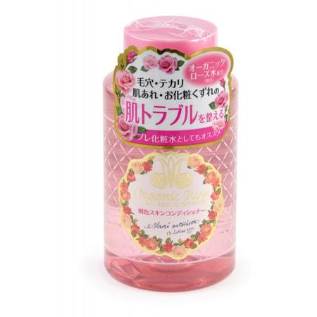 MEISHOKU Organic Rose Skin Conditioner Лосьон-кондиционер для кожи лица с экстрактом дамасской розы, 200 мл.ДЛЯ КОЖИ СКЛОННОЙ К ВОСПАЛЕНИЯМ И УГРЕВОЙ СЫПИ<br>Лосьон-кондиционер для кожи ; новое средство, которое подготавливает кожу лица к нанесению других средств ухода.  Он восстанавливает кислотно-щелочной баланс кожи, нарушенный после умывания.  Лосьон-кондиционер нормализует состояние кожи лица, придает матовость коже.  Улучшает проникновение активных компонентов средств по уходу за кожей лица (молочка, крема, эссенции и т.д.).  В его состав входят нанокапсулы, содержащие экстракт ячменя, удерживающий влагу в коже, и экстракт гамамелиса, сужающий поры.  Экстракт дамассой розы и розовая вода увлажняют, освежают и тонизируют уставшую кожу, насыщают ее витаминами.    Способ применения: нанесите необходимое количество средства на очищенную кожу лица ватным диском или кончиками пальцев.  Рекомендуется использовать вместе с другими средствами серии ORGANIC ROSE.  Продукт также можно использовать в качестве лосьона для подготовки лица к нанесению макияжа.    Состав: вода, BG, сорбитол, молочная кислота, метилпарабен, хлоргидрат алюминия, отдушка, лактат натрия, этилпарабен, экстракт дамасской розы, цветочная вода из лепестков дамасской розы, экстракт листьев гамамелиса, экстракт коикса.<br>