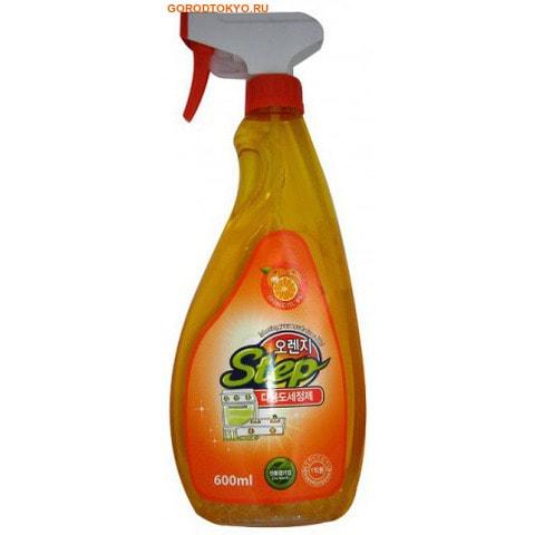Orange Step Multi-Purpose Cleaner Универсальное жидкое чистящее средство для дома с апельсиновым маслом, 600 мл.Для уборки комнат<br>Благодаря экстракту апельсина за одно применение средство удаляет налет, застаревшие пятна, въевшуюся грязь, жировые отложения, убивает бактерии, стерилизует обрабатываемую поверхность.    Область применения:  очищает, удаляет загрязнения с газовой плиты, раковины, холодильника, ванны, кафеля, унитаза, офисного оборудования, различных видов полов и т. д.    Способ применения:  распылить на загрязненную поверхность, протереть жесткой или мягкой губкой, затем удалить остатки средства влажной мягкой тканью.  Не распылять на окрашенные, пластиковые, виниловые, акриловые, алюминиевые поверхности.    Состав:  вода, 3-метокси-3-метилбутанол, диэтиленгликоль монобутил эфир, моноэтаноламин, полиоксиэтилен нонилфенил эфир, лаурил сульфат натрия, бензойнокислый натрий, триклозан, апельсиновое масло.<br>