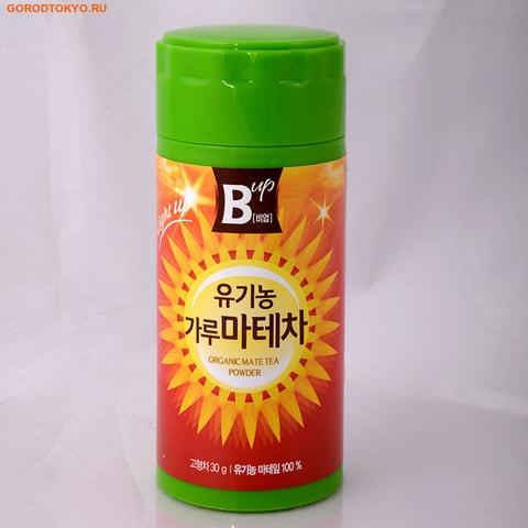 NOKCHAWON Корейский органический зелёный чай мате, в порошке, 30 гр.Чай и Кофе<br>Чай мате содержит 144 химических компонента.  Чай мате богат полифенолами и имеет антиоксидантные свойства, превосходящие свойства зеленого чая.  Напиток получается горьковатым с легким сладковатым оттенком.  Знаменит он тем, что содержит антиоксиданты, аминокислоты, витамины А, В1, В2, С, Е, Р и другие.  Из микроэлементов богат серой, магнием, кальцием, калием, марганцем, натрием, железом, медью, хлором.  Благодаря такому комплексу чай мате помогает повысить иммунитет и усиливает защитные функции организма, замедляет образование раковых клеток.  Чай используют для снижения веса, так как он помогает улучшить пищеварение, подавляет чувство голода, создавая быстрое чувство насыщения на продолжительное время.  Не является БАДом, не содержит ГМО  Масса нетто: 30 г.  Nokchawon Co. Ltd. ; это лидирующая компания на рынке Кореи и стран Азии по производству зеленого чая органик и других экологически чистых продуктов. Компания Nokchawon Co. Ltd. была основана в 1992 для развития и повышения уровня чайной культуры в Корее. Компания Nokchawon Сo.Ltd. - пионер в производстве чая в Корее и уже 22 года лидер по продажам и экспорте. Слово Nokcha переводится как зеленый чай и символизирует саму природу. Объединение слов зеленый чай (Nokcha) и первый(One), означает, что компания стремится производить только лучшее. Компания быстро расширила ассортимент, объединяя современные и традиционные чаи и продукты, изготовленные на заказ. Таким образом, Nokchawon предоставляет продукцию самого высокого качества, гарантированную надежность, конкурентные цены и разнообразные упаковочные материалы своим клиентам по всему миру.  Площадь Nokchawon - 60 гектаров.  Сертификаты:   Компания Nokchawon производит экологически чистый чай и владеет сертификатами MIFFAF Органик ; Министерство сельского и лесного хозяйства Республики Корея, которое отвечает за стандарты качества и сорта сельскохозяйственной продукции, и обеспе