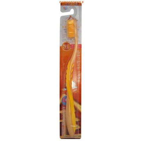 """EQ MAXON """"Nano Gold Toothbrush"""" Зубная щётка c наночастицами золота, сверхтонкой двойной щетиной, средней жёсткости, стандартная чистящая головка, изогнутая ручка."""