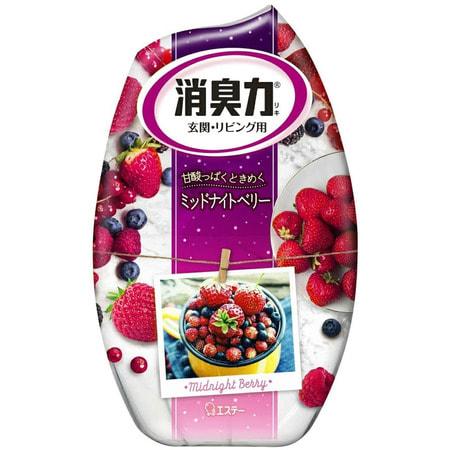 ST Shoushuuriki Жидкий дезодорант – ароматизатор для комнат c ароматом сладких ягод, 400 мл.Для комнаты<br>Серия дезодорирующих ароматизаторов Shoushuuriki  - дезодорирующая сила для комнат, предлагает Вам букет восхитительных ароматов на любой вкус.  Особенностью продукта является наличие в составе природных дезодорирующих компонентов, которые быстро и эффективно избавят от неприятных запахов, наполнив комнату мягким, изысканным ароматом.  Флакон ароматизатора с функцией регулирования интенсивности аромата обладает простым дизайном, идеально подходящим для комнаты. Способ применения (смотрите на картинках 1-3):  Вскройте пленку по линиям отрыва.  Снимите верхнюю крышку, повернув ее, удалите только внутренний белый колпачек, после чего установите в первоначальное положение верхнюю крышку и поставьте изделие на ровную поверхность.  Состав: эфирные масла растений, ароматические вещества, поверхностно-активные вещества (неионогенное поверхностно-активное вещество, анион).<br>