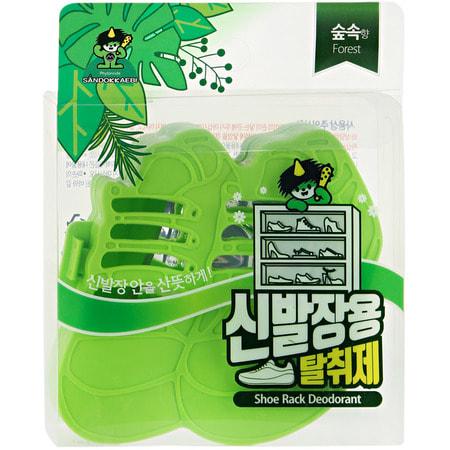 Sandokkaebi Ароматизатор-поглотитель запаха для обуви Лесной, 4 г.Антистатики для одежды. Уход за одеждой и обувью<br>Ароматические масла, входящие в состав средства, позволяют избавиться в шкафах для обуви от специфических запахов.   Способ применения: открыть пластиковый контейнер и извлечь из фольгированной упаковки лист с действующим веществом.  Закрыть контейнер и поместить в шкаф или в обувь.<br>