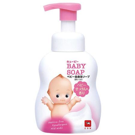 COW «Kewpie» Детская пенка «Без слёз» для мытья волос и тела, с первых дней жизни, с ароматом детского мыла, 400 мл.ДЕТСКИЕ ШАМПУНИ<br>Детское мыло-пенка имеет слабый аминокислотный состав с пониженным Ph, не смывает кожный жир в избыточном количестве, практически неощутимо наносится и смывается, не щиплет глазки.  Мягко воздействует на естественный защитный слой кожи.  Строго протестировано аллергологами.  Подходит для самой чувствительной кожи новорожденных.  Без красителей и без консервантов, не раздражает кожу.  Входящее в состав масло ши ухаживает за нежной кожей, а сквалан бережно увлажняет её.  Пенка имеет нежный аромат детского мыла.<br>