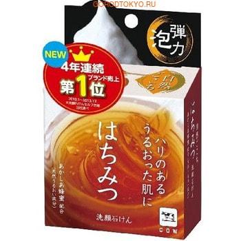 COW «Hachimitsu» Мыло для лица с экстрактом мёда, скваленом, коллагеном и гиалуроновой кислотой, 80 г + сеточка для взбивания пены.Косметическое мыло<br>Пенящееся мыло для лица с экстрактом меда, маточным молочком, скваленом, коллагеном и гиалуронокой кислотой питает, придает коже гладкость и упругость.  В каждой упаковке нежная сеточка для глубокого очищения лица.  Легкий медовый аромат.  Мыло протестировано на аллергию.<br>