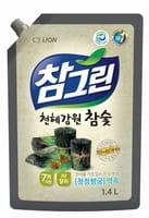"""CJ LION """"Chamgreen - Древесный уголь"""" Средство для мытья посуды, овощей и фруктов, мягкая упаковка с колпачком, 1350 мл."""