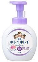 """LION LION """"KireiKirei"""" Пенное антибактериальное мыло для рук - для всей семьи, с цветочным ароматом, 500 мл."""