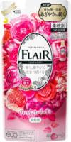 """KAO """"Flair Fragrance Floral Sweet"""" Кондиционер-смягчитель для белья, со сладким цветочно-фруктовым ароматом, сменная упаковка, 400 мл."""