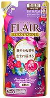KAO «Flare fragrance Passion & Berry» Кондиционер для белья, с антибактериальным эффектом, с чувственным ароматом вкусных ягод, 480 мл, сменная упаковка.