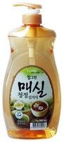 """CJ Lion """"Chamgreen - Японский абрикос"""" Средство для мытья посуды, фруктов, овощей, с экстрактом японского абрикоса, 960 мл, с дозатором."""